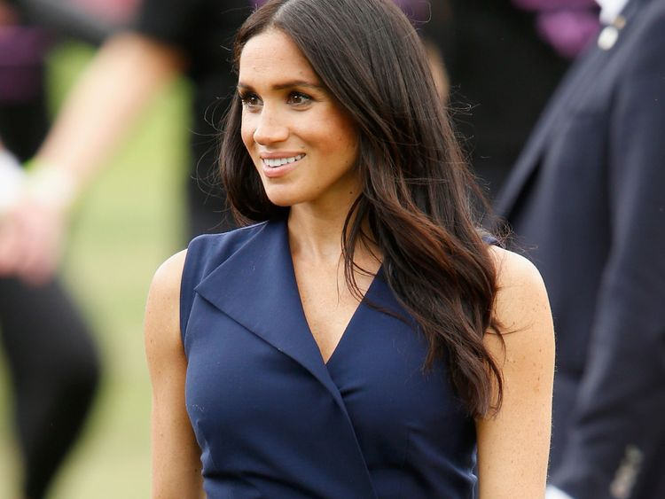 'Controlling' Meghan Markle is 'ghosting' her father