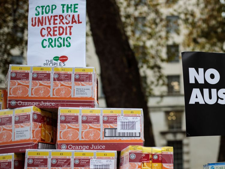Four mothers win court case over Universal Credit