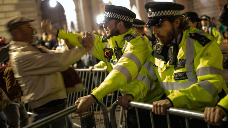 Five arrested at pro-Brexit march outside Parliament