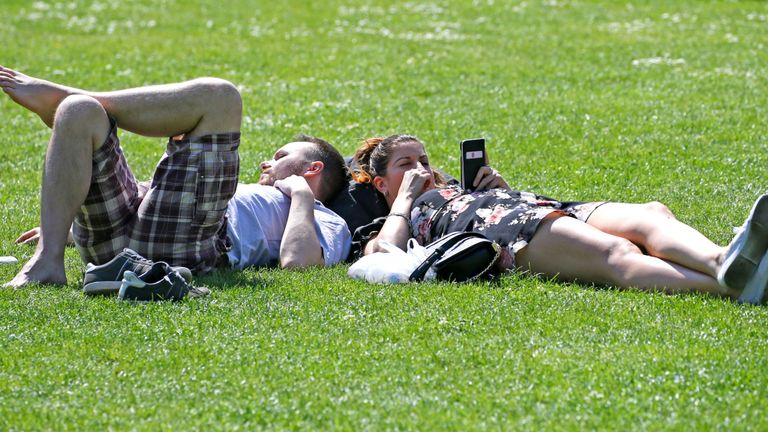 Enjoy record Easter temperatures – storms are on way to UK