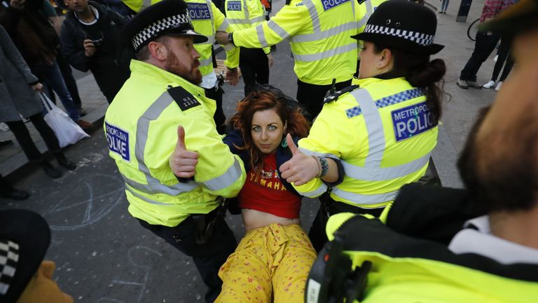 Police told to use 'full force' of law against Heathrow protesters