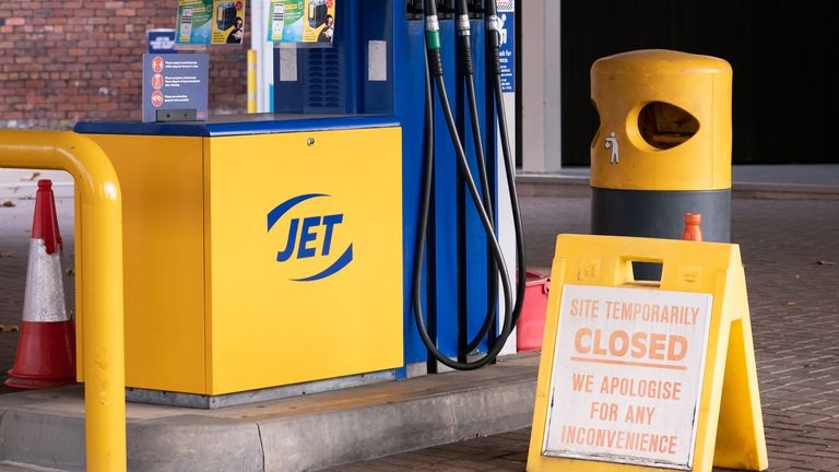 Fuel crisis: Boris Johnson suggests no plans to prioritise key workers at the pumps