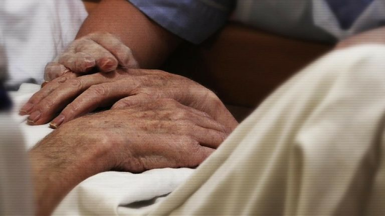Union calls for 'no jab, no job' rule for care home staff to be scrapped amid workforce crisis